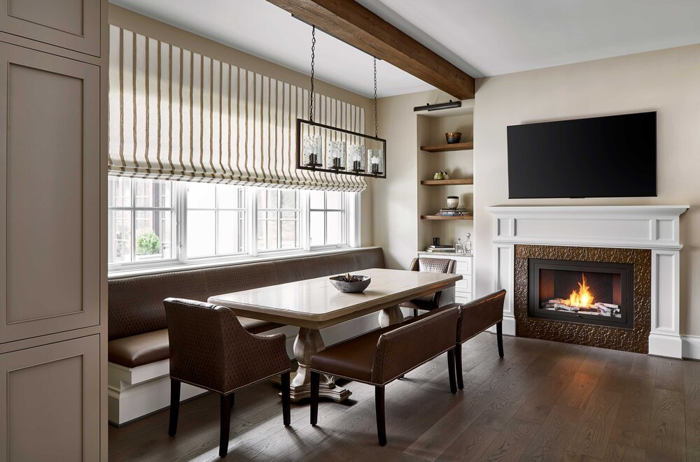 https://mk0hearthcabinej16d7.kinstacdn.com/wp-content/uploads/2020/08/Tracy-Morris-Design-and-Greg-Powers-Photography-hearthcabinet-residential-luxury-fireplace-designs-1-1.jpg