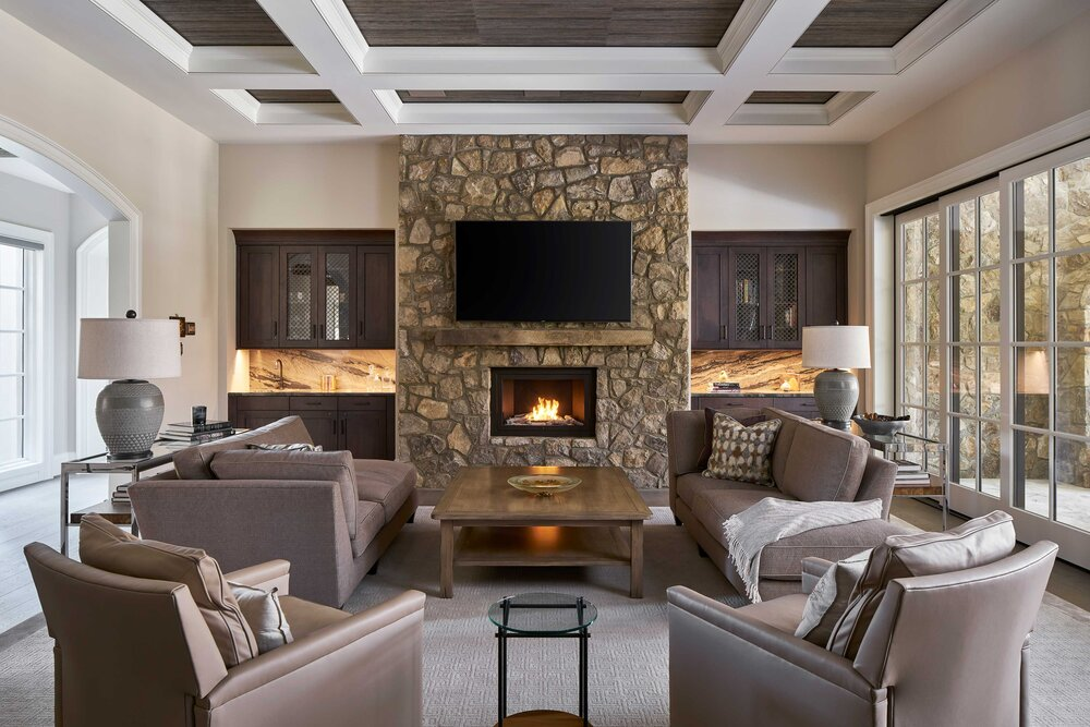 https://mk0hearthcabinej16d7.kinstacdn.com/wp-content/uploads/2020/08/Tracy-Morris-Design-and-Greg-Powers-Photography-hearthcabinet-residential-luxury-fireplace-designs.2.jpg